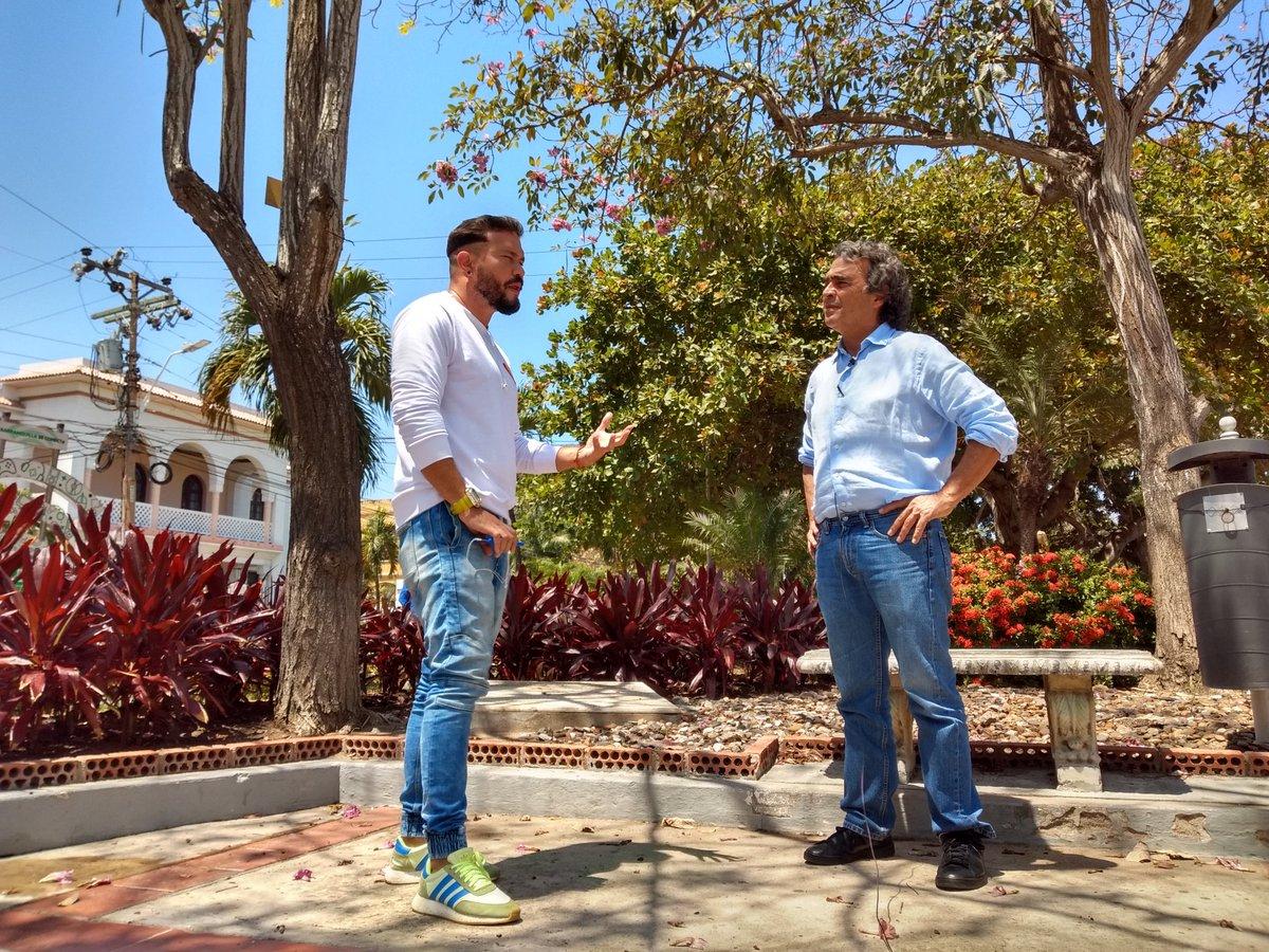 """""""Me dijeron que al venir a #Barranquilla conociera a @El_joinca """"El Mono"""", un joven apasionado por los temas culturales"""" @sergio_fajardo"""