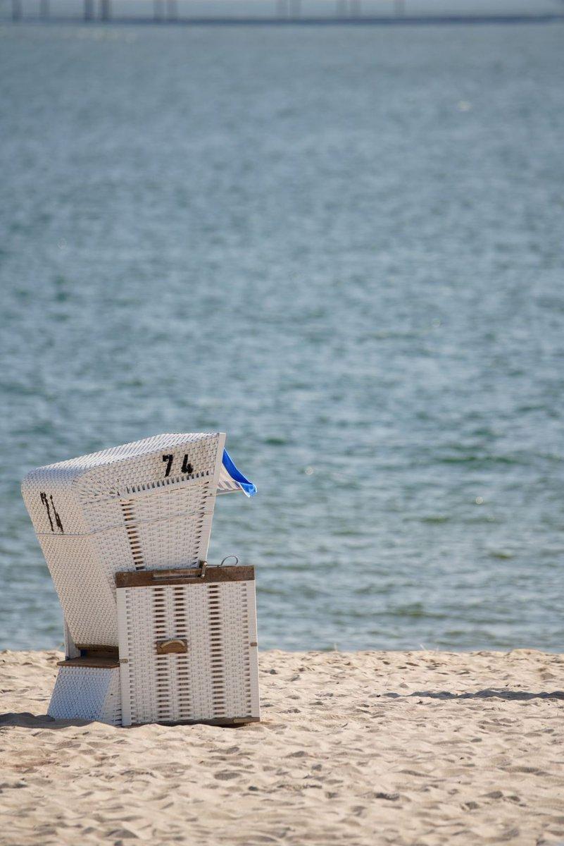 Summervibes #sand #strandkorb #strand #beach #westerland #sylt #urlaub #vacation #instatravel #nordsee #insel #meer #sea #wasser #water #island #weg #reisen #germanalphas #alpha7rm3 #a7r #sal2470 #nofilter @sylt @sony @sonyalpha @westerlandsylt @sonydeutschland https://t.co/Z1ZSJUgjEY