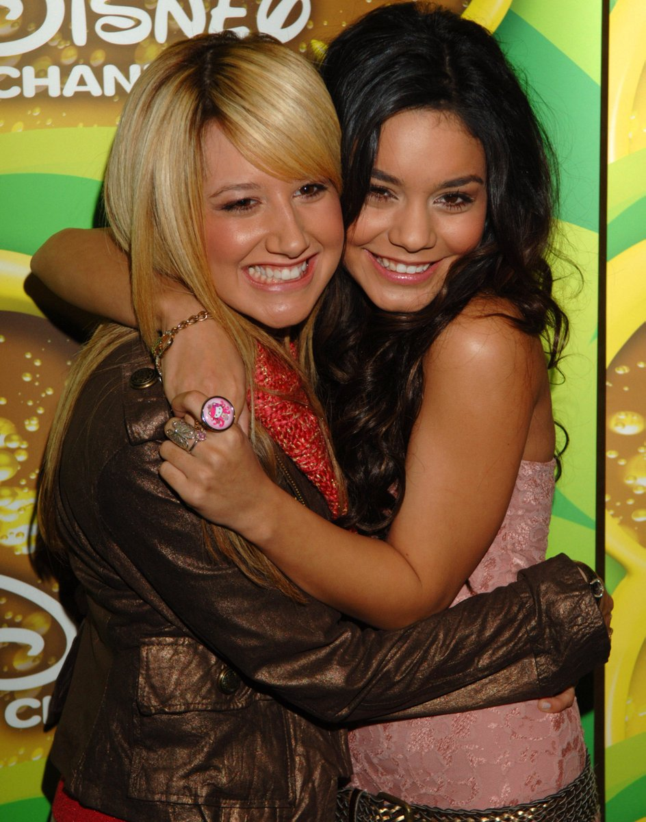 2005 ➡️ 2021   I want exactly what @ashleytisdale and @VanessaHudgens have. 💕