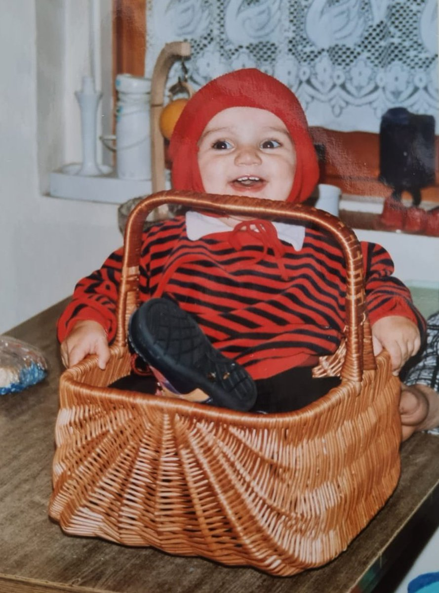 I loved sitting in baskets! 🖤 . . #memories #throwback #baby #home #happy