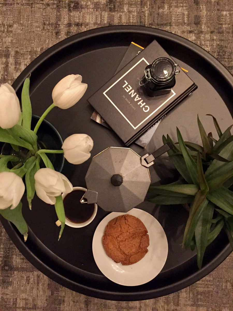 I always end my day with a refreshing cup of coffee. Especially after taking a hot shower. What about you? how do you end your day? #coffee #CHANEL #espresso #tulips #Netherlands #Tilburg
