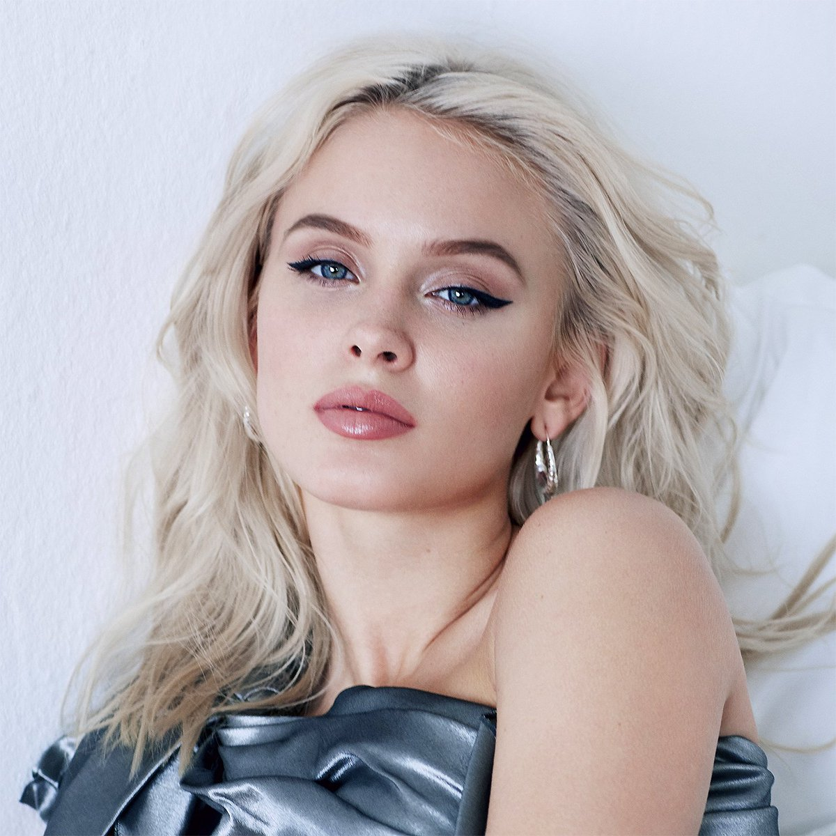 #NowPlaying Look What You've Done by @zaralarsson #listen at  &  @TuneIn  Buy song
