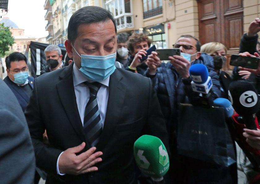 -Meriton li declara la guerra a les institucions valencianes 🇸🇬💣-Les institucions deman....