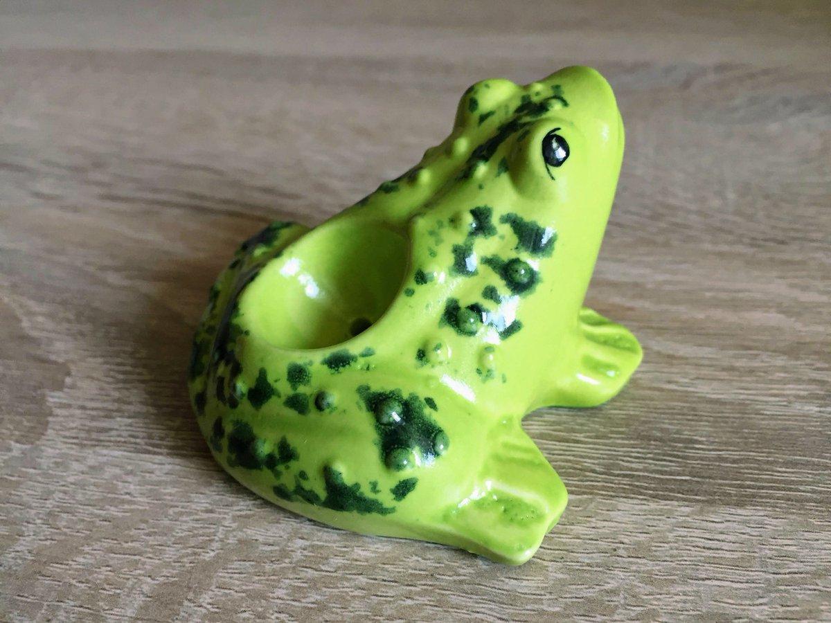 "★★★★★ ""This little frog has become my baby. I love it so much."" Katherine  #etsy #green #birthday #halloween #smallsmokingpipe #uniquesmokingpipe #minismokingpipe #beautifulpipes #creativepipe #cutesmokingpipe"