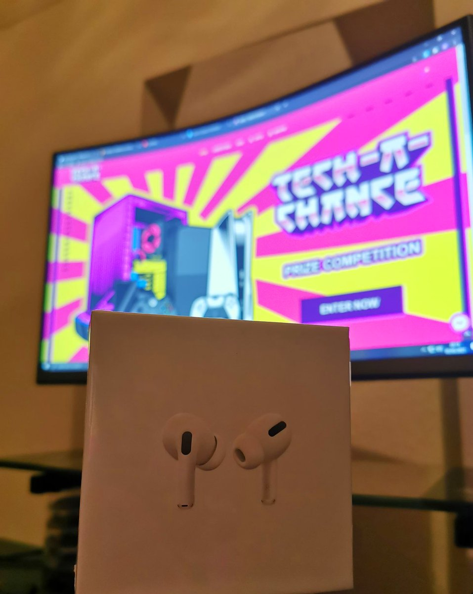 🤩 This time on Friday someone will have won themselves a pair of Apple AirPods Pro (RRP £220). Still time to get your ticket for just £1! Click this link to enter now - https://t.co/uDvvOrhCEj   #win #raffle #airpods #apple #music #headphones #competition https://t.co/rsR45vxO9V