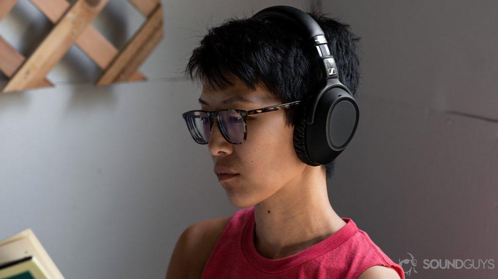 Bargain shoppers might find these noise-canceling #headphones interesting. #techtips  https://t.co/XlfWAJxaEV https://t.co/35JSmXrauN