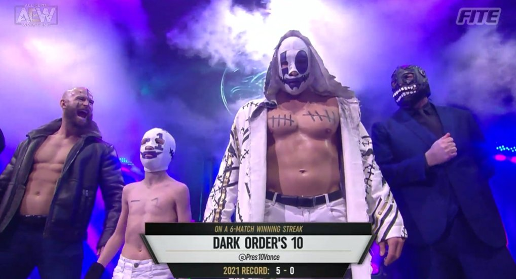 Will #DarkOrder's 10 be able to clinch a spot for the ladder match on Sunday?  Great to see -1!  #AEWDynamite is available through  in select Intl markets from #FITE