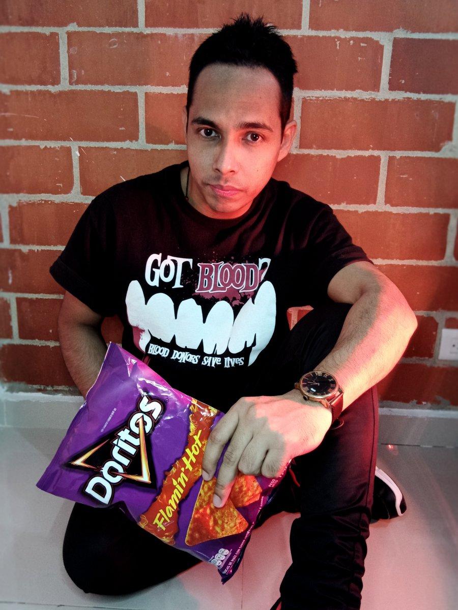 FLAMIN' HOT!! ♠🔥🌶 #Doritos #FlaminHot #DoritosDewDrop
