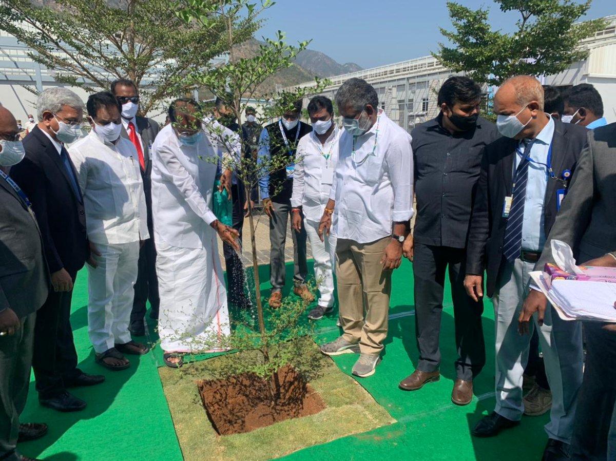 The Vice President planting a sapling on the campus of IIT Tirupati today.  #IITTirupati @iit_tirupati