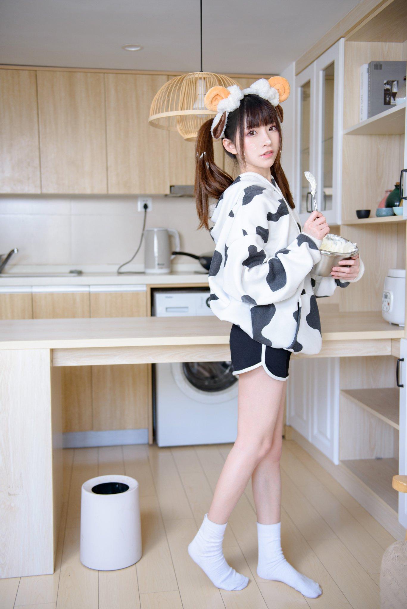 画像,Cream Girl 🐄🥛料理が好きで、あなたの方が好きですmodel:@kitaro_cos phx:@GLOW-黑豹 https://t.co/sMKnhq…
