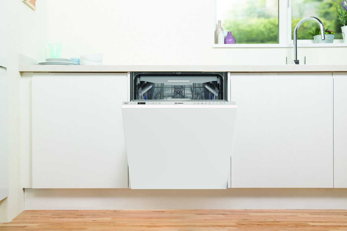 test Twitter Media - The Indesit range of Push&Go dishwashers is designed to be easy-to-use, resource efficient and super spacious. The dishwashers also benefit from the time-saving Push&Go feature, that starts a clean and dry cycle with just one push of the dedicated button! #ThursdayThoughts https://t.co/Z6DJwodZ8G