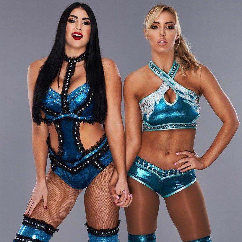 Billie & Peyton or Tay & Anna ? 👀  #BillieKay #PeytonRoyce #TaynaraConti #AnnaJay #WWE #WWERAW #SmackDown #AEW