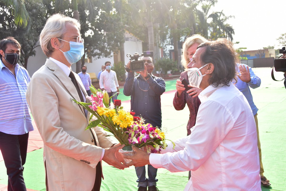 Honoured by the visit of H.E. Mr. Emmanuel Lenain, Ambassador of France to India and Mrs. Virgine Corteval, Counsel General in Kolkata, France and Ms. Emilia Cartier, Attache' for Scientific and Academic Cooperation, North and Eastern Region to KIIT & KISS today.  @FranceinIndia https://t.co/zE8ebQa45X