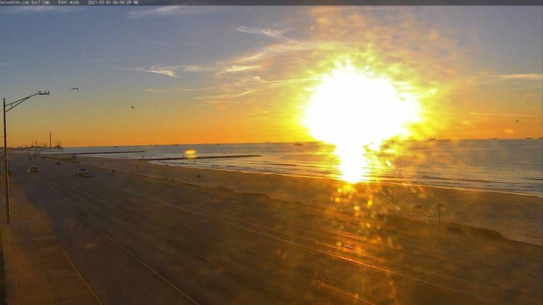 What a sunrise from @GalvestonCom's surf cam this morning! #Houston, let's see your sunrise pics in the comments.