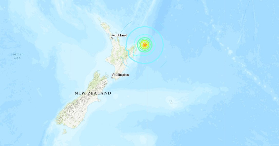 """JUST IN: 7.3-magnitude earthquake recorded off the northeast coast of New Zealand, USGS says.  New Zealand authorities warn those who felt earthquake near coast to """"move immediately to the nearest high ground, or as far inland as you can."""" https://t.co/30EI2t00NH"""
