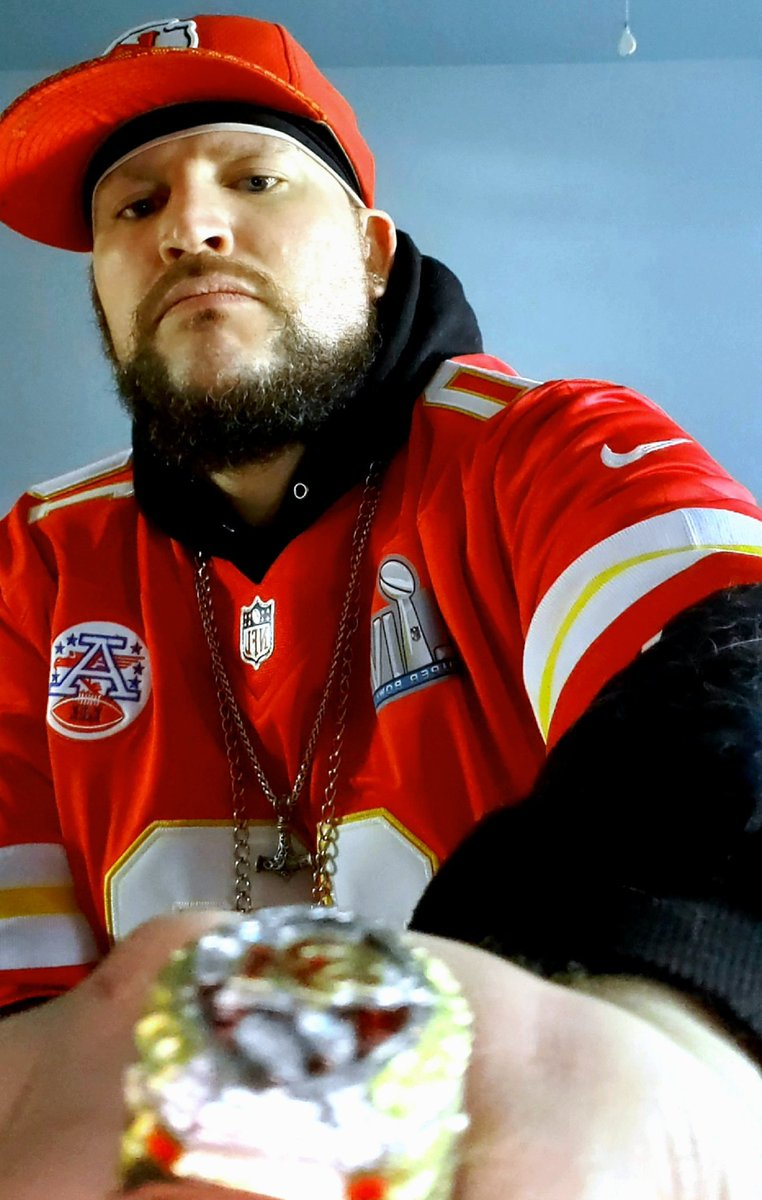 @cheetah I'm rocking the @cheetah jersey right now bruh   . Fastest on the planet. NEVA LOST💯😅👑 And best damn WR in NFL.  BET.  #Chiefskingdom