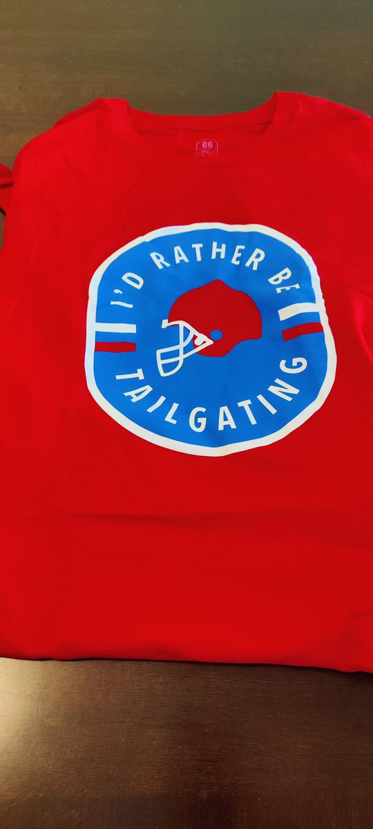 """🔴🔵🔴****GIVEAWAY****🔴🔵🔴 I am giving away this dope @26shirts """"I'd Rather Be Tailgating"""" shirt. (Size 2XL) RT this for a chance to win. I will pick a random RT on Saturday at 10am Good Luck!! #GoBills #BillsMafia #BillsByABillion #GiveawayAlert  Stay Safe and Be Kind Fam ✌🏾"""
