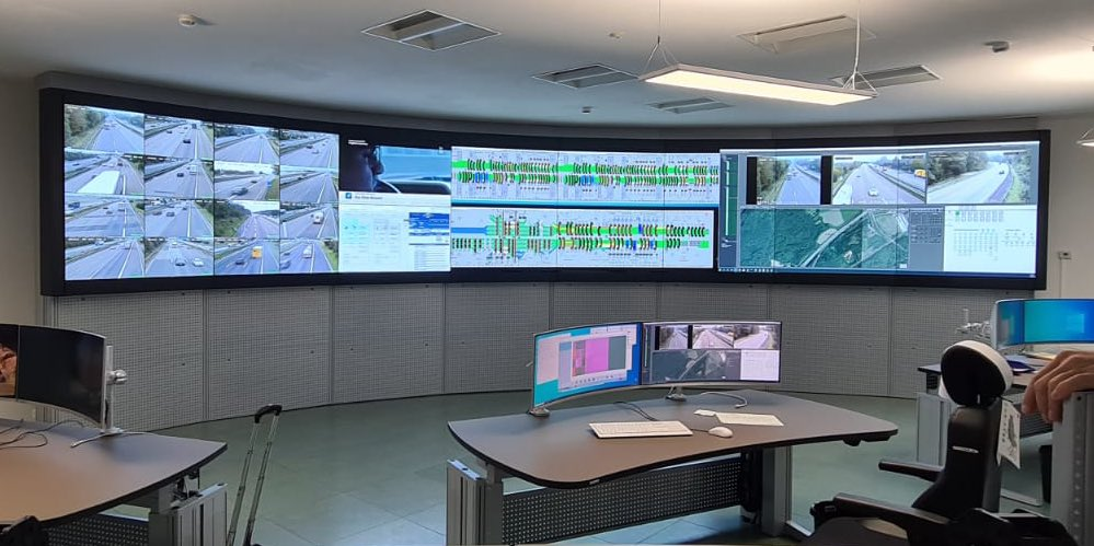 We create clever Security traffic #soc #occ #nmc #mcc #controlroom workplaces with curved #Intelliscreen #askus solutions for  #SmartCity #kvm #cybersecurity #airport #futureworkspace #blockchain #network #monitoring #Military #fireforce #cloud #collaboration #AI #iptv #data