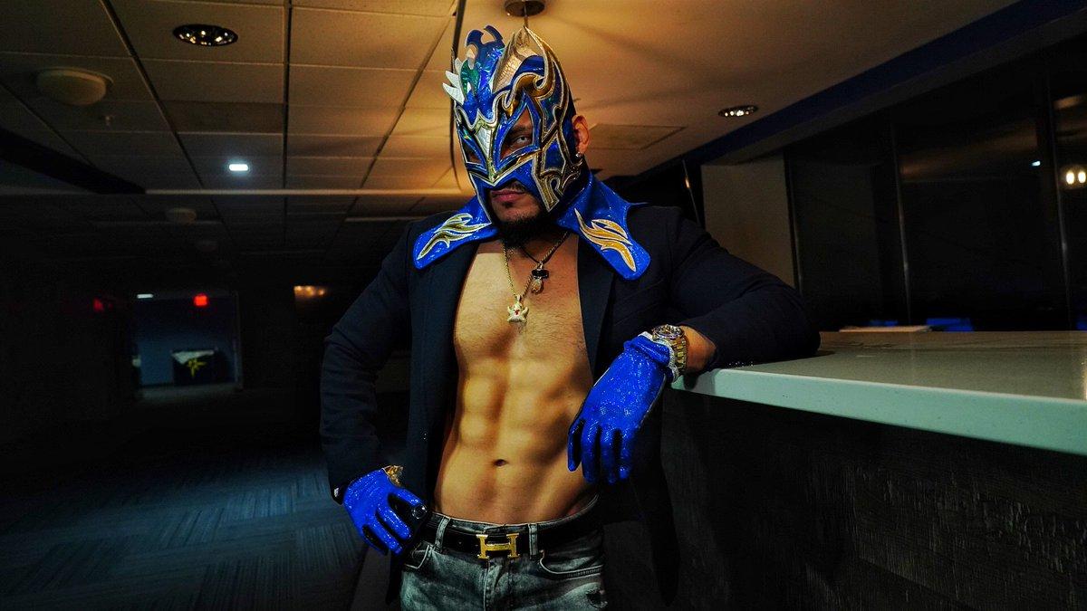 Patience is power..  #Tbt  #SmackDown  @WWEonFOX #gloat