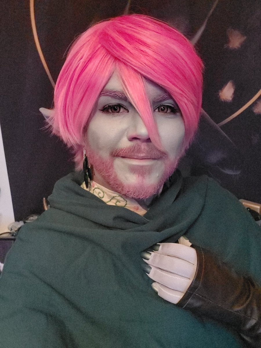 Did I half get into Caduceus just to show off this new wig for his winter look? Yes. Of course. I adore him.  #caduceusclay #CriticalRole #CriticalRoleCosplay