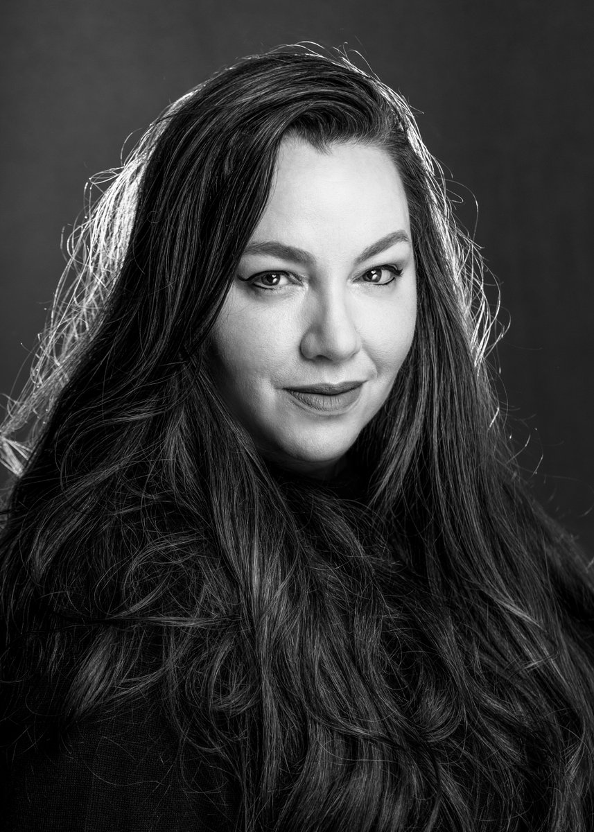 Elsa Vivero Promoted to General Manager / Executive Vice President, Global Commercial Services at WEA   via @warnermusic