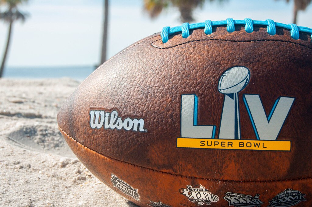 #TBT to #SBLV and kicking it by the beach in Tampa. Who is already counting the days until they can get back out on the beach and throw their #wilsonfootball around? ⏳👋
