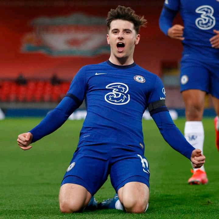 Mason Mount, the General. You can't just love him less 💙  Undoubtedly the best player at the age of 22 in the world right now, after mbappe shah🤗  Well done @ChelseaFC impressive team play against @LFC   Massive Pain tho moved to Manchester 🤣  #LIVCHE Mason Mount #KTBFFH