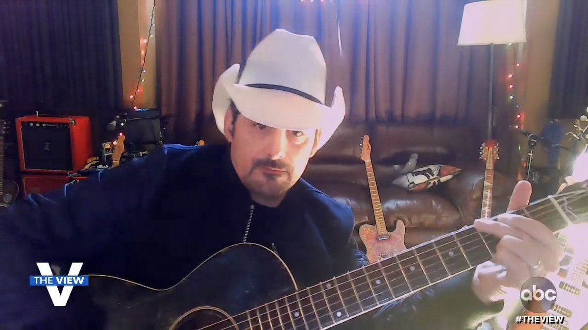 """.@BradPaisley kicks off our day with an acoustic performance of his new single #OffRoad that he tells us celebrates women!  """"A roadblock never really stops a determined country girl or any woman... they just go right off the road."""" 🙌"""