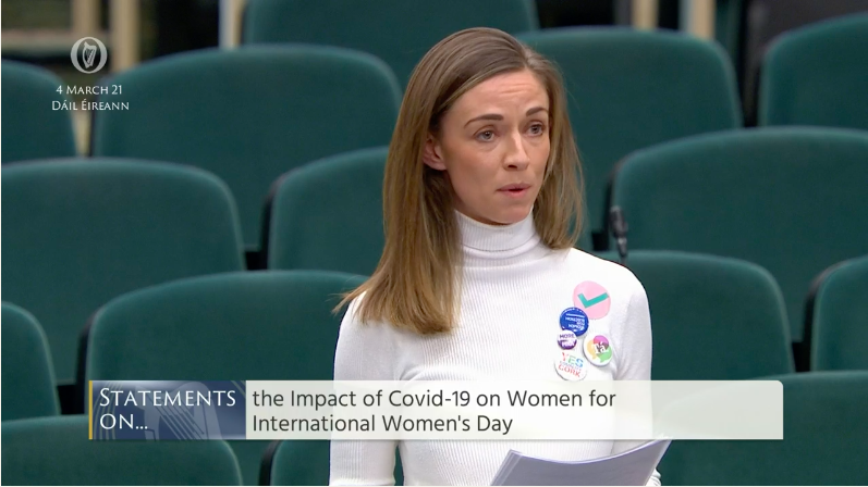 """Clodagh on Twitter: """"... Not Holly Cairns wearing a badge, representing the  initiative I founded, in the Dáil chamber? 😭💛… """""""