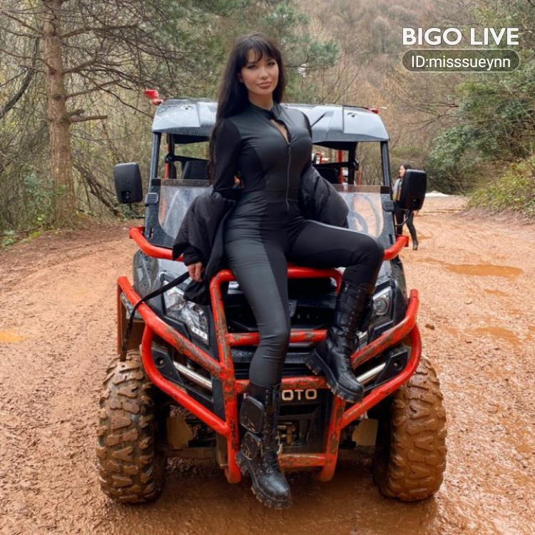 Come and see 🐉ĶĨŤĂŃĂ🐉's LIVE in #BIGOLIVE: #Party Hadi eğlenelim 😉