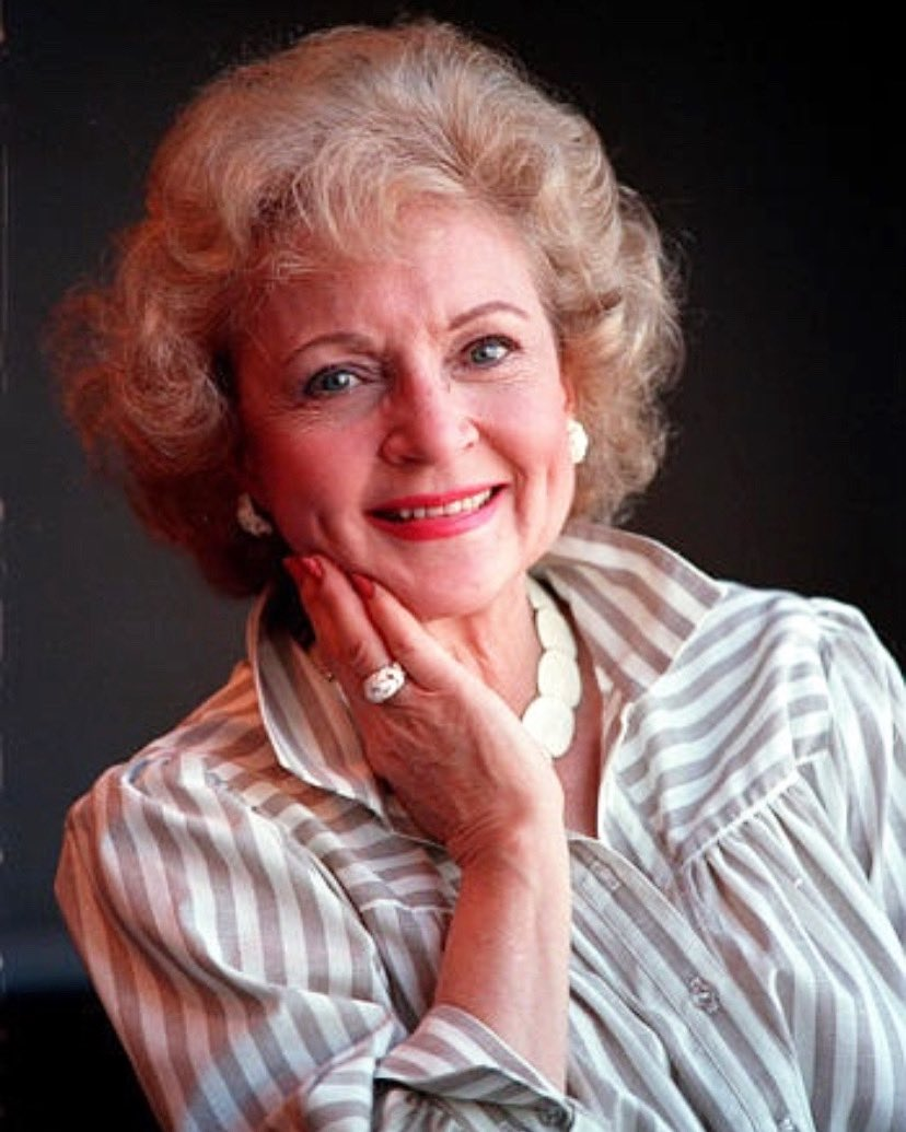 Strike a pose ✨ #tbt #throwback #bettywhite #goldengirls #thegoldengirls