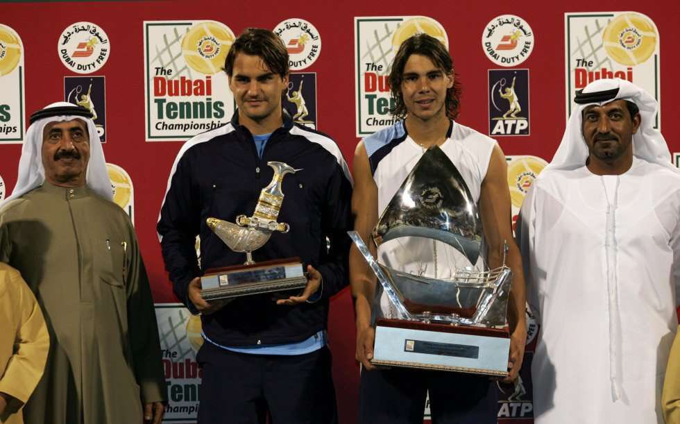 📆 Tal día como hoy, hace 15 años, Rafa Nadal 🇪🇸 (No.2) conquistaba su único 🏆 en el ATP 500 de Dubai tras remontar un set en contra ante Roger Federer 🇨🇭 (No.1) en la final.  El tenista de Basilea veía finalizada su racha de 56 victorias consecutivas (y 9🏆) sobre pista dura.