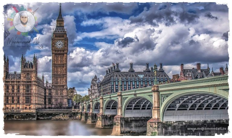 On the #move Enjoy the lovely sight of London's most popular places #LondonEye, #Shard and #TowerLondon. #LoveLondon is a #partycity full of #diversity. Subscribe and watch me live on #YouTube: . #TuesdayThoughts #BigBen.