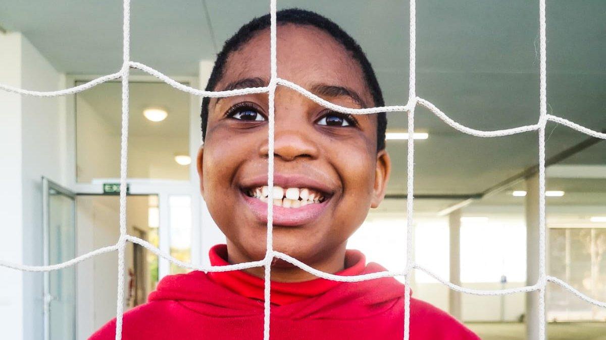 Sonríe, ¡es viernes! Smile, it's Friday!  📸Centro #FundaciónRafaNadal de Palma #Mallorca #FelizViernes #HappyFriday