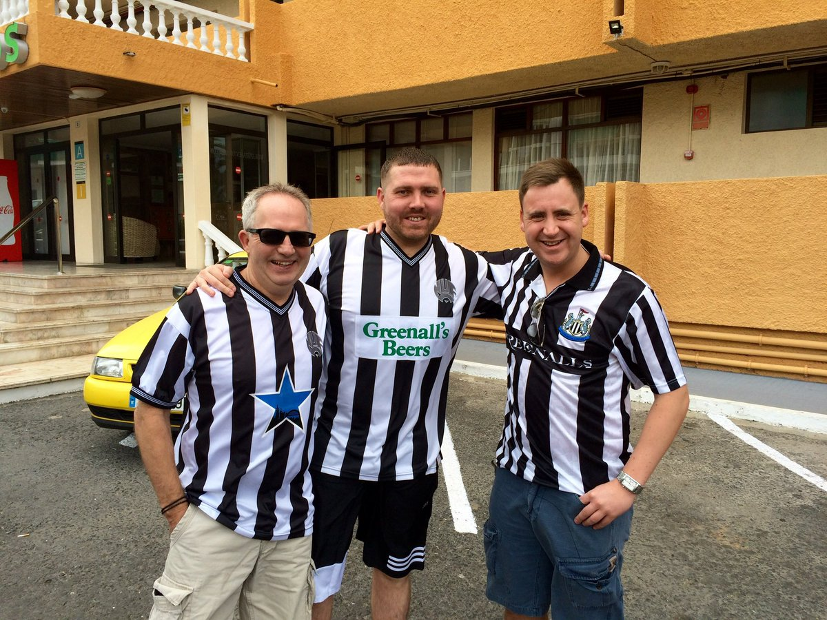 5 years ago today,, rough as a badgers arse in Las Americas, heading out to watch #NUFC get thumped off Bournemouth. #megsstagdo @ameggeson86 great weekend 🍺👍🏻⬛️⬜️