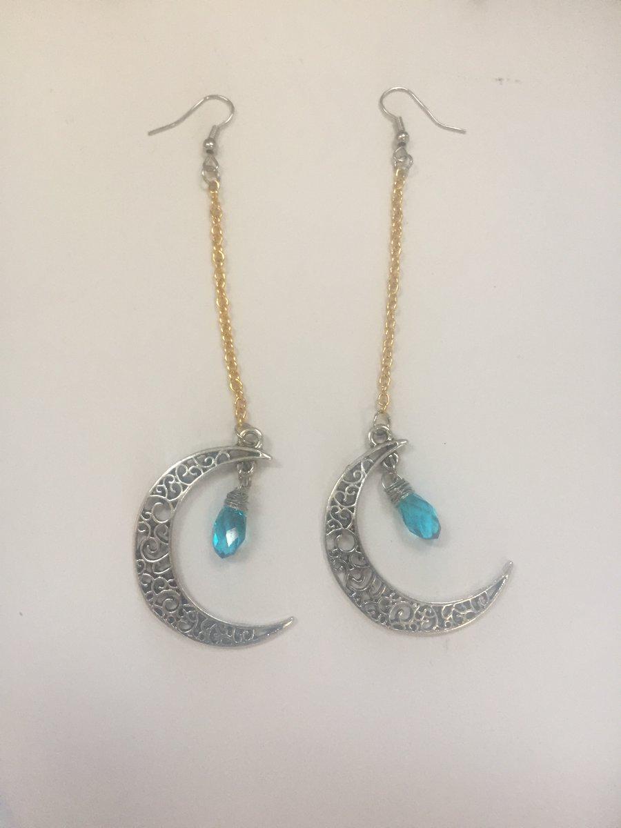 Blue crystal moon dangle earrings    #earrings #crystal #bead #blue #silver #gold #stainlesssteel #dangle #chain #moon #jw #handmade #fashion #jewelry #depop #paypal #onlineshopping #boho #party #retro