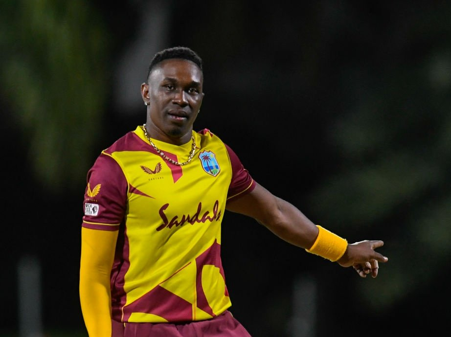 Start the music! Namma Champion is back in maroon and getting in the groove @windiescricket!! #WhistlePodu #Yellove @DJBravo47 💛🦁