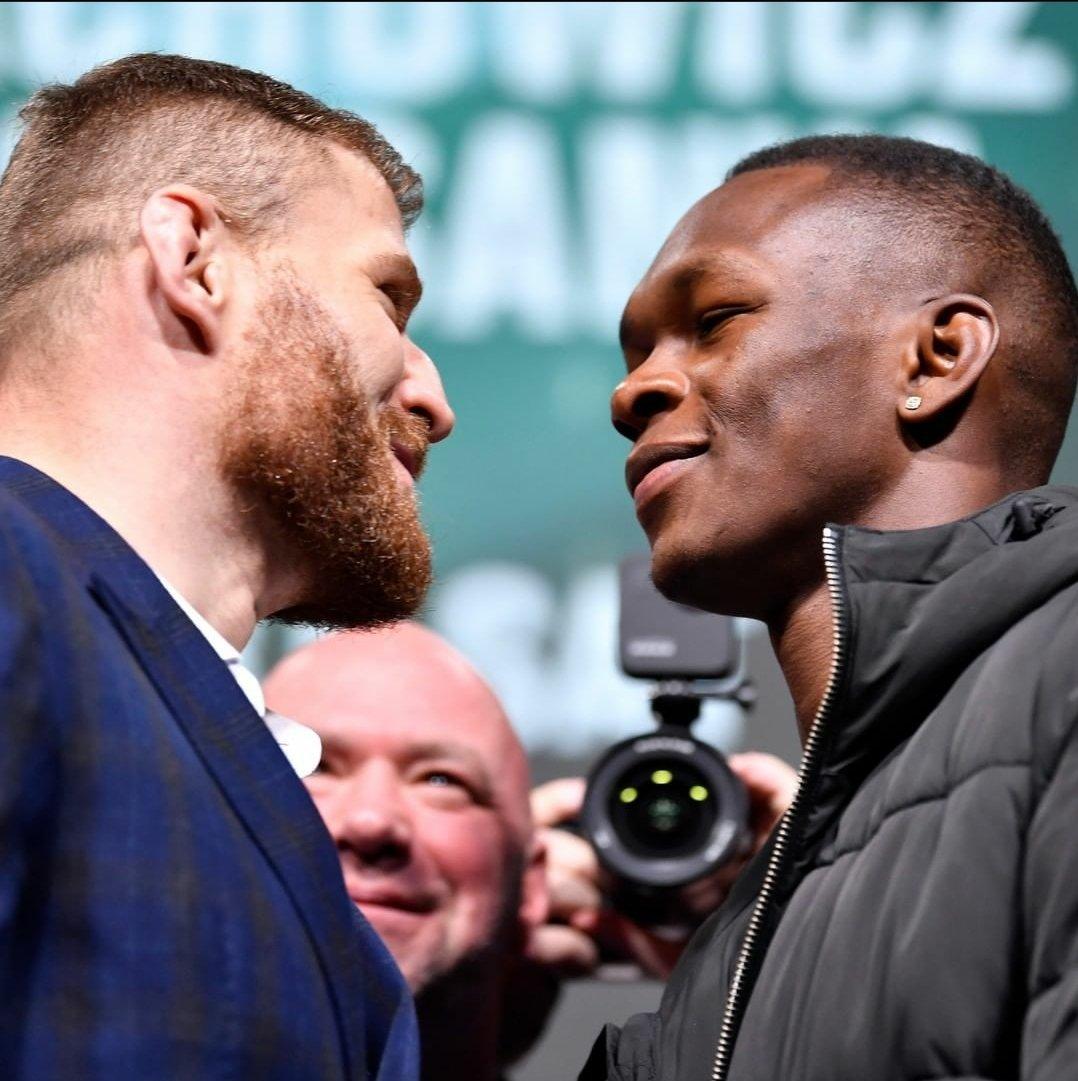 Swipe. The Face Off.  @janblachowicz vs @stylebender for the Lightweight Heavyweight Title   @amanda_leoa vs @megana_mma for the Women's Featherweight Title   @petr_yan vs @funkmastermma for the Bantamweight Title   (Via: @ufc)  #UFC259 #champvschamp #UFC #MMA #Boxing #faceoff #K