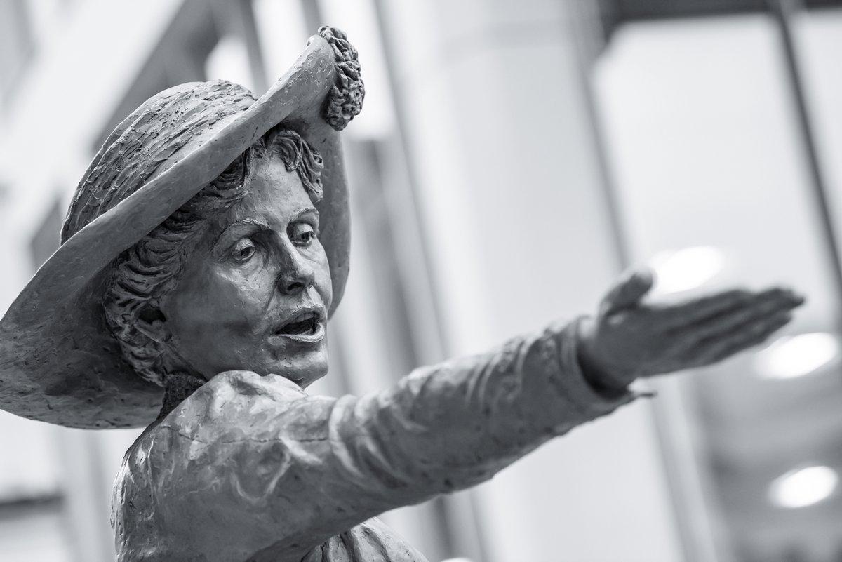 Emmeline Pankhurst 🤺🚶♀️ #activist #statue #suffragette #manchester #fight #suffrage #women #bnw #blackandwhite #history #violence #vote #parliament 📷 #nikon #z6 #nikonphotography #nikonphotographer #sculpture #political #politics #bronze @HazelReeves  @NikonatGrays