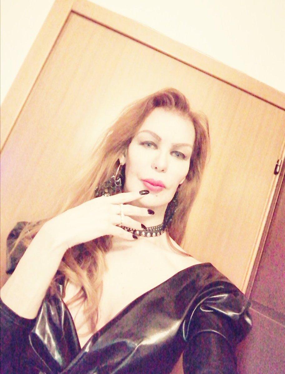 #Mistress #Donina #Padrona #Forslave #Queen #Beauty #Grazilicious #Eternitty #Dominatrix