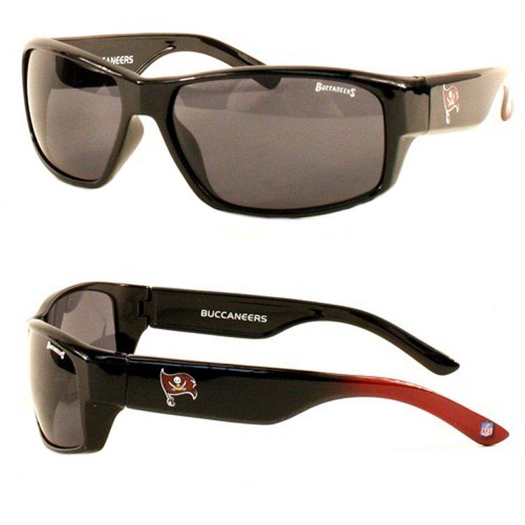 #NFL #Sonnenbrillen eingetroffen !!!   Schaut mal rein auf:   #ranNFL #ranNFLsuechtig #NFLDeutschland #ranfootball #lockerroom #ransport #DAZN #TouchDown #puls4 #NFLTwitter #SuperBowl #ENDZN #SBLV