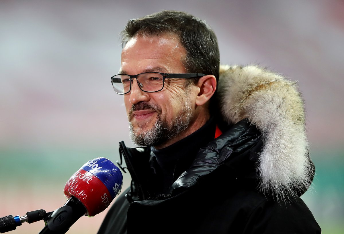 Eintracht Frankfurt 'will not stand in the way' if United want sporting director Fredi Bobic #mufc