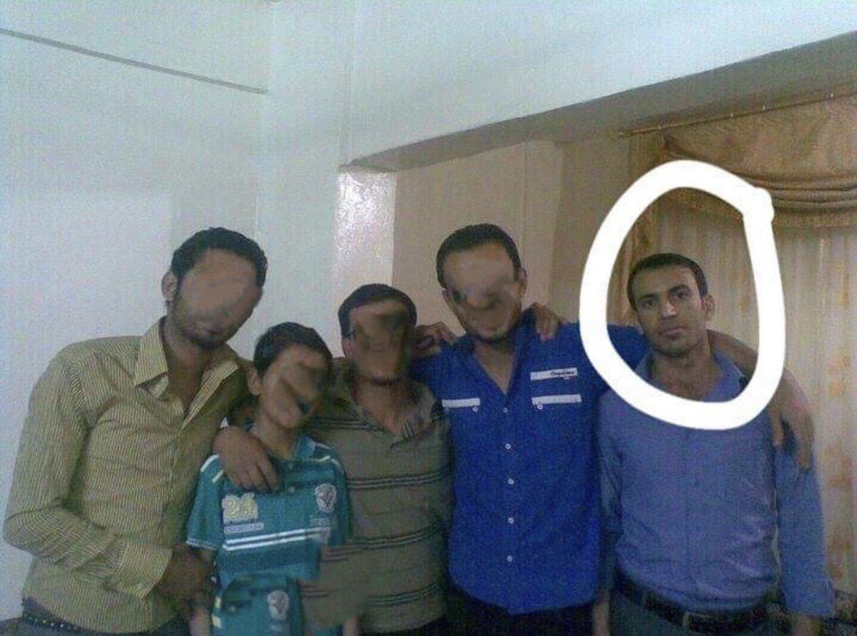 """#الثقب_الاسود  حسن السالم """" ابو اليمان الرقاوي"""" من مواليد عام 1987 درس الادب العربي في كلية الاداب في الرقة.   مساعد ابو لقمان، واحد المقربين منه، قام حسن بتسليم نفسه الى ميليشيا #قسد ضمن صفقة ويعمل الان في كتيبة مكافحة الارهاب التابعة لقسد  #The_Black_hole #الرقة_تذبح_بصمت https://t.co/EPeOg26913"""