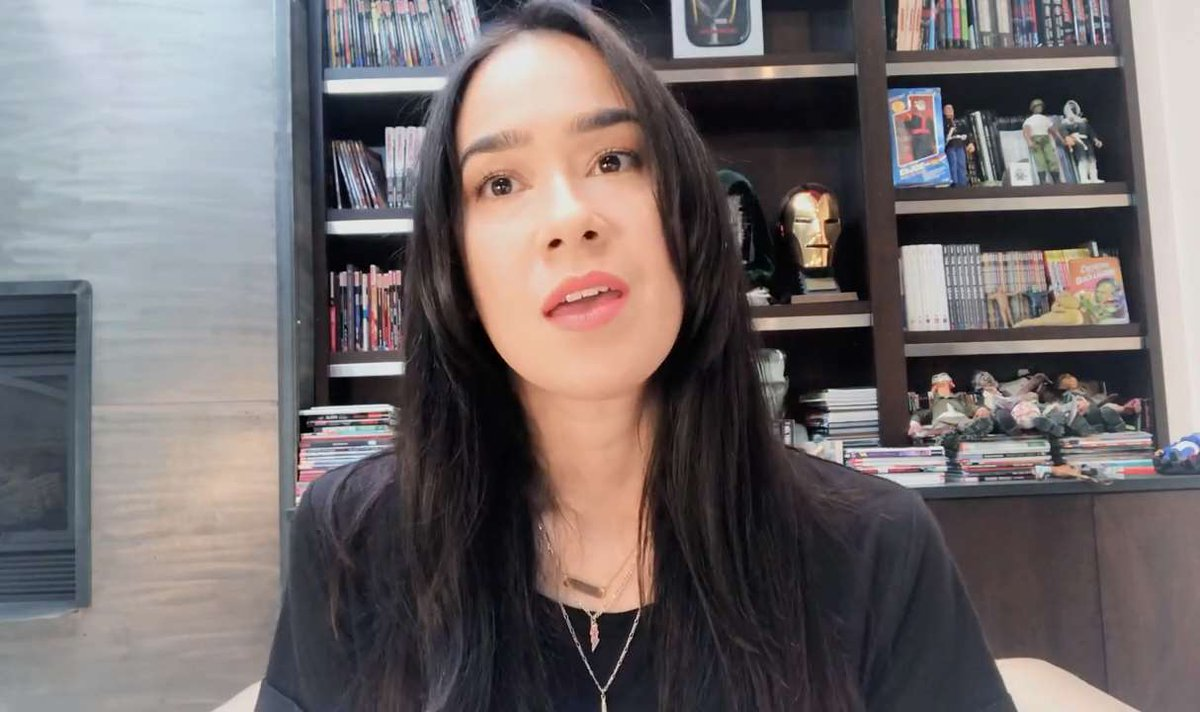 Lady @TheAJMendez - The Strong #WonderWoman always shows us her fans #TeamAJ what true strength truly is with her battles with #MentalHealth. #RT if u agree #WeLoveAJ #WeMissYouAJ #IconicAJ #AJFansForEver #MentalHealthMatters #SmackDown @WWE @AJLeeSupport @namimaine @NamiCCNS