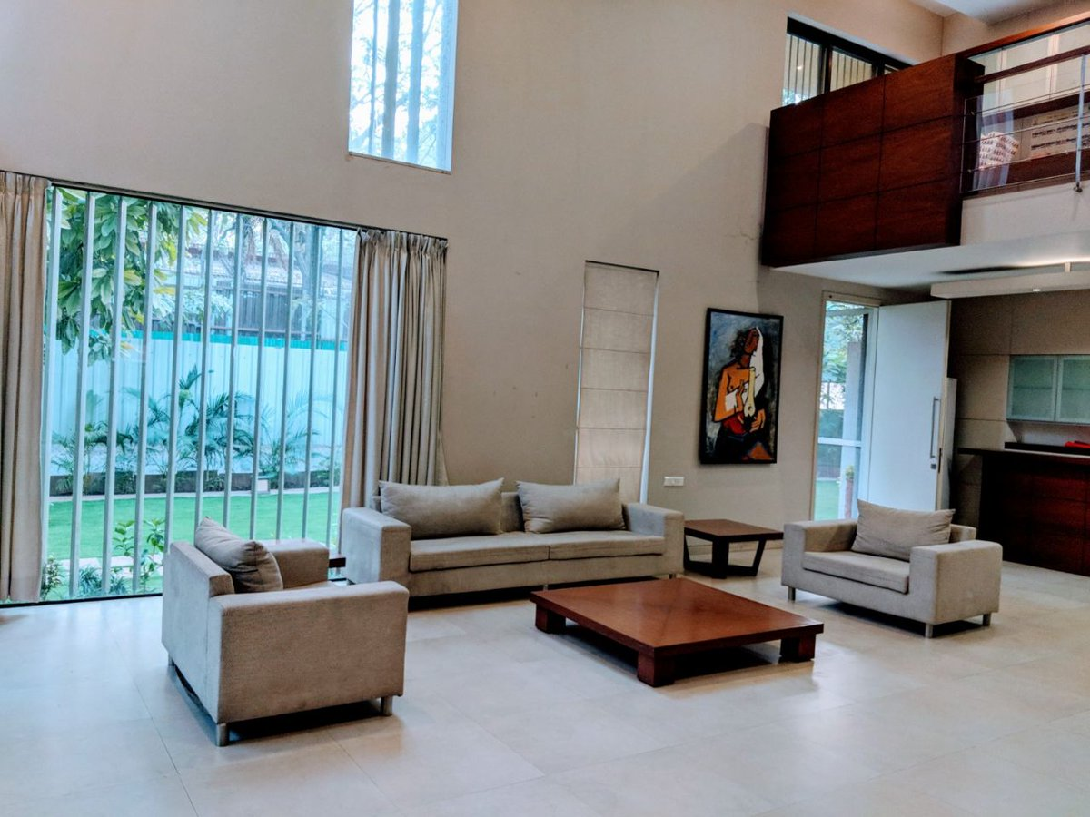 4BHK Luxurious Bungalow (4400 ft²) with G+1 floor for #Rent in Bhosale Nagar, Pune. The independent bungalow is surrounded by a well-thought-out landscape and garden in a 6400 sqft. Get details at:  Charu:+91- 8055894455 Ajay:+91-9370317908 #realestatepune