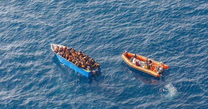 1/2 #Italien ermittelt gegen insgesamt 21 Seenotretter wegen Schleuserei und Beihilfe zur illegalen Einreise! Angesichts der stetig steigenden Todeszahlen im Mittelmeer ist es unfassbar, dass nun wieder versucht wird, Seenotrettung zu kriminalisieren,