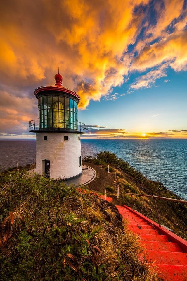Sunrise at Makapu'u Lighthouse #Oahu #Hawaii #USA #goodmorning #fridaymorning
