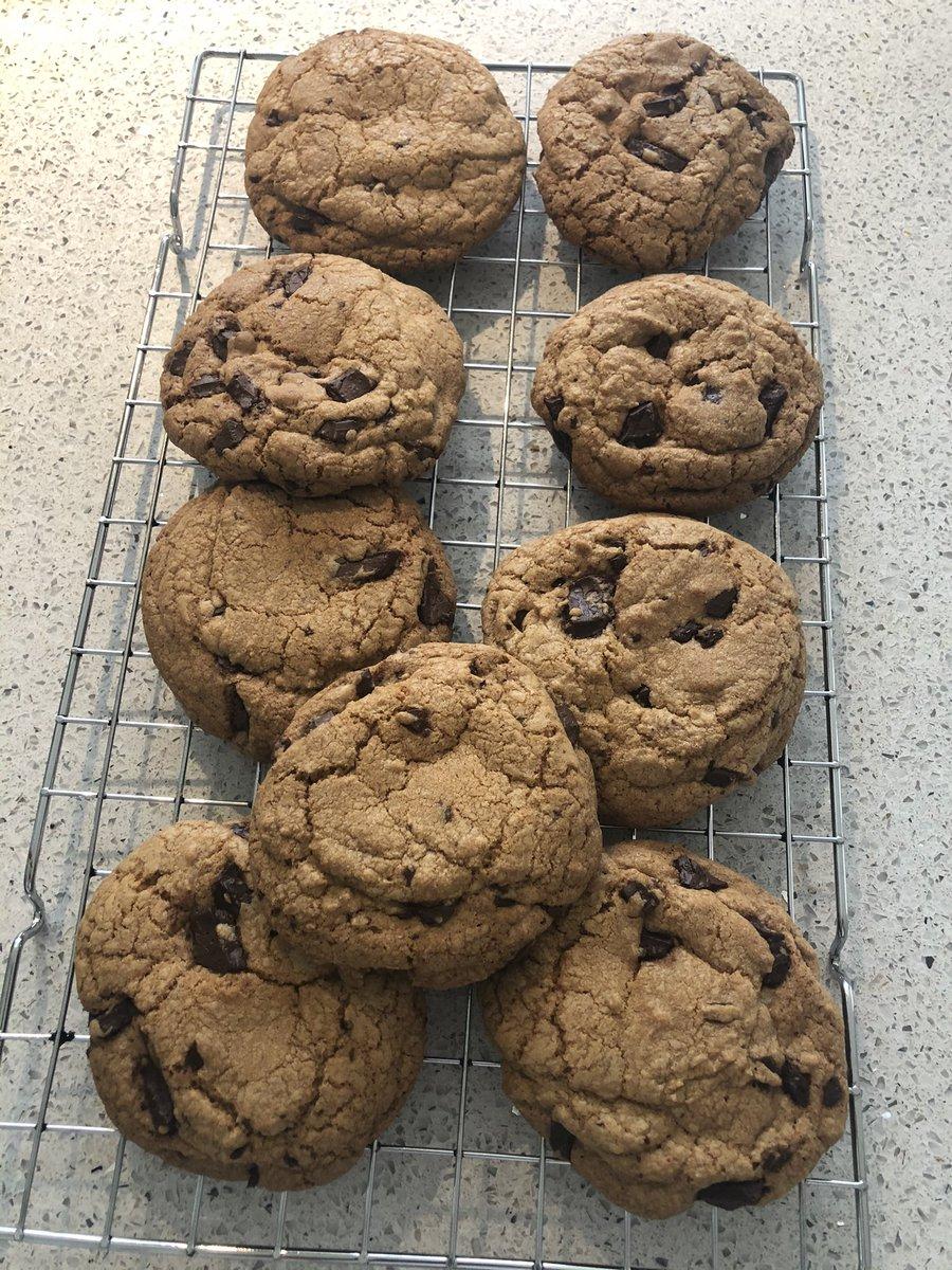 Definitely a @Nigella_Lawson chocolate chip cookie #FridayFeeling 🍪