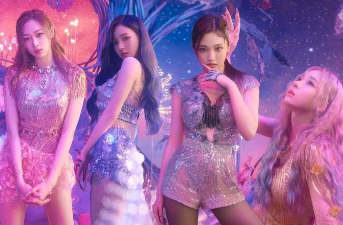Vídeos musicales de idols femeninas más vistos del 2021  #1 Gidle- HWAA (62M) #2 IU - Celebrity (48M) #3 @aespa_official - Forever (35M) #4 dreamcatcher - Odd Eye (32M)  #aespa #에스파 #Forever