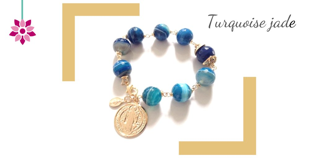Is Your birthday between February 20 and March 20? You are Pisces and the favorable stones for your zodiac sign are those with a bluish hue such as Aquamarine, Blue Lace Agate, Sodalite and Turquoise jade.  #zodiacsing #gems #properties #pisces #fridaymorning